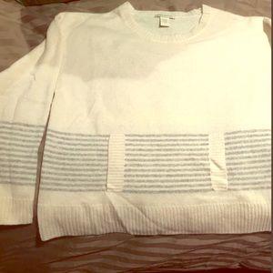 White + Warren 100% Cashmere Sweater with pocket